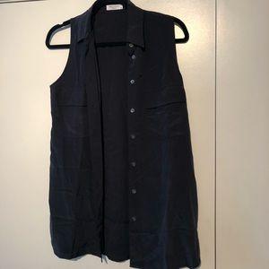 Equipment signature silk sleeveless black top